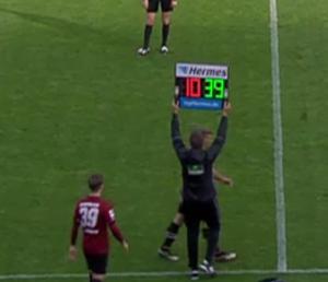 1. FC Nürnberg - Hannover 96: Wechsel in der Nachspielzeit