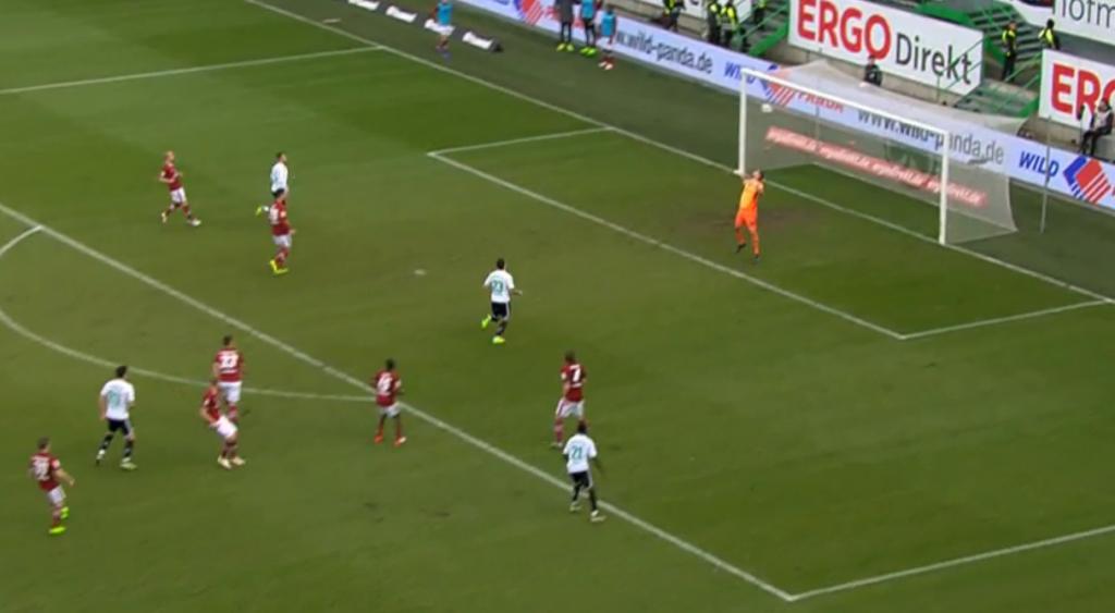 SpVgg Greuther Fürth - 1. FC Nürnberg 1:0: Bruchteile vor dem Einschlag zum 1:0