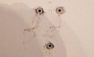 Montage Wandhalterung: die richtigen Dübel versenken